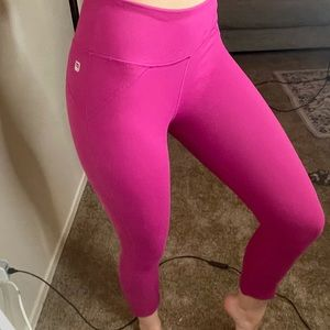 Fabletics Mid Rise Pink Cropped Athletic Legging